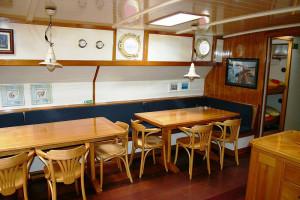 westenwind_tables-300x200